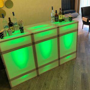 6ft Cubed Bar